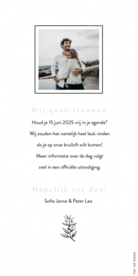 Grijsblauwe save the date kaart met takje